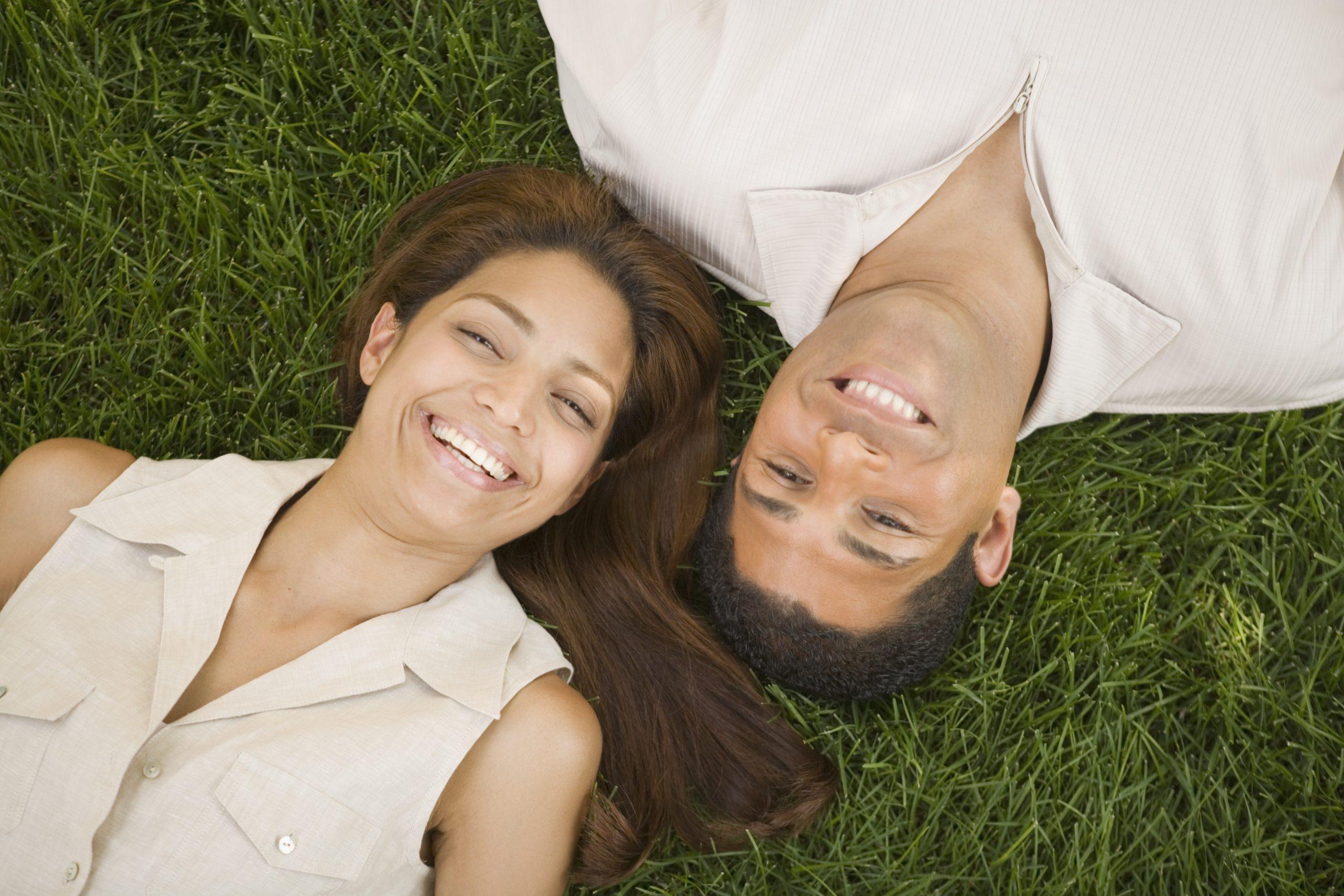 green-friendly couple